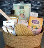 Gift Baskets & Cards - BIH Collection - BuyItHealthy Beautiful Woman Basket